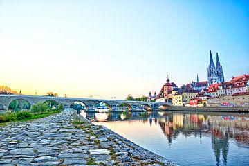 Historische oude stadskern van Regensburg met stenen brug van Roith Fotografie