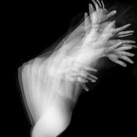 Handen in beweging van Shadia Bellafkih