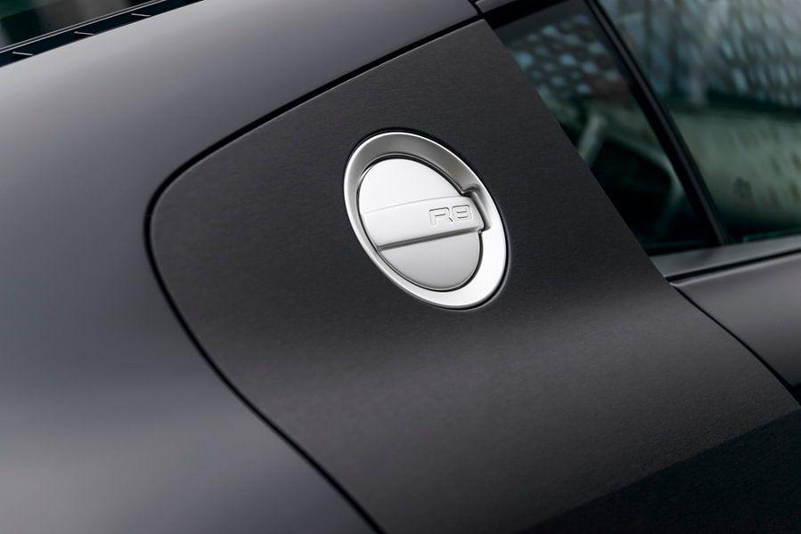 Audi R8 met donkere matte lak en tankdop van Sjoerd van der Wal