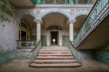 Verlaten Stairs to heaven van