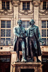 Goethe-Schiller monument in Weimar van