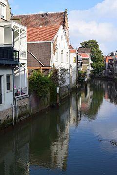 Uitzicht over het water in Dordrecht van Nicolette Vermeulen