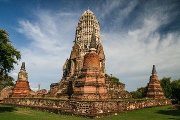 Wat Chaiwatthanaram in Ayutthaya, Thailand van Erwin Blekkenhorst