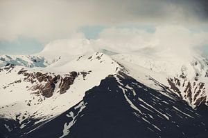 Cloudy mountains XII van