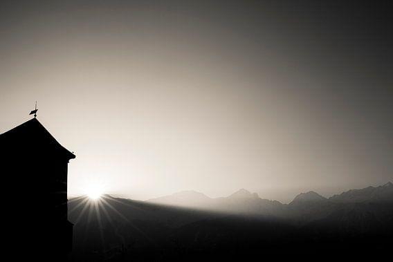 Zonsopkomst in de bergen van Bas Stijntjes