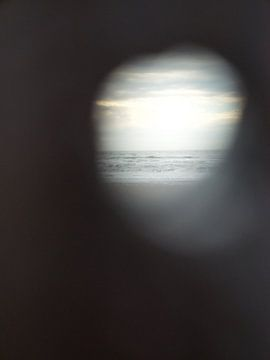 Blick auf das Meer mit Sonnenuntergang von Evy Bakker