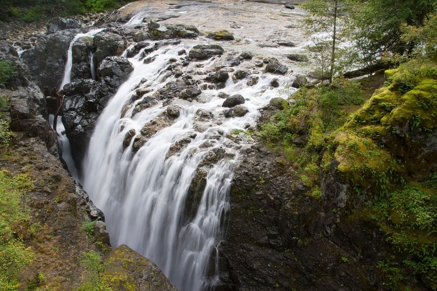 1/6 seconds of waterfall in Nainamo