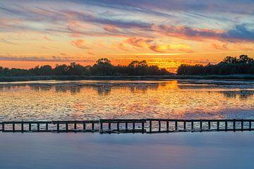 Zonsondergang nabij Woudbloem, Groningen van Henk Meijer Photography