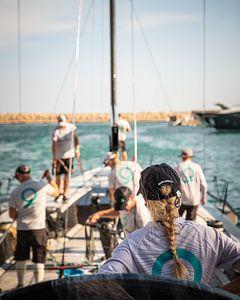 Voorbereiden voor de race. Puerto Portals, Mallorca van Paul Kaandorp