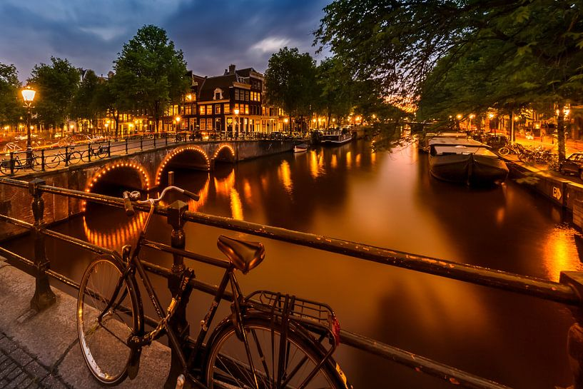 AMSTERDAM ' s avonds indruk van de Brouwersgracht van Melanie Viola