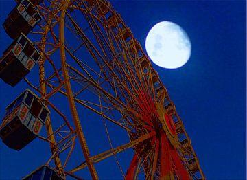 Riesenrad und Mond