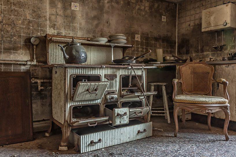 Old Kitchen von Robert Van den Bragt