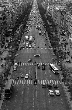 Parijs - Avenue des Champs-Elysées van Rob van der Pijll