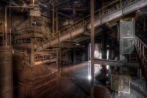 De verlaten staalfabriek