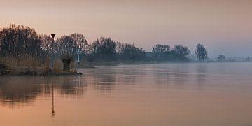 Weerspiegeling in het IJsselwater von Evert Jan Kip