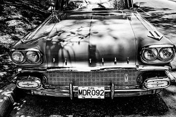 Cubaanse Pontiac MDR 092 (zwart wit)