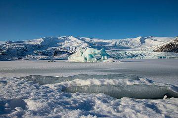 Jökulsárlón en Diamond Beach, landschap IJsland. van Gert Hilbink