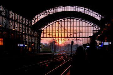 Zonsondergang op Station Haarlem van Geert Heldens