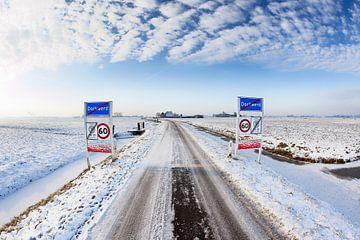 Winterlandschap bij Dorkwerd, in Groningen van