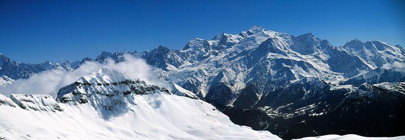 Désert de Platé et chaîne du Mont-Blanc van Jc Poirot