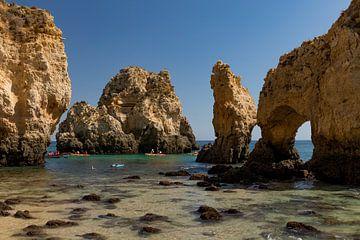 Schöne Felsen Algarve Ponta DA Piedades im Meer von D Meijer