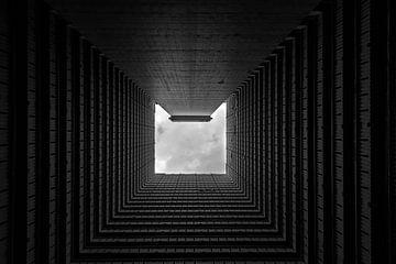 Photo noir et blanc en Chine d'un appartement densément peuplé sur Michael Bollen