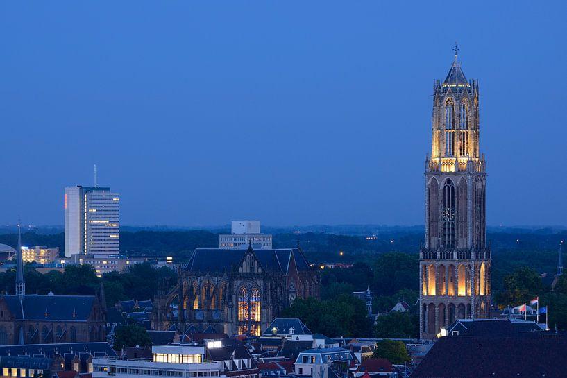 Binnenstad van Utrecht met Domtoren en Domkerk sur Donker Utrecht