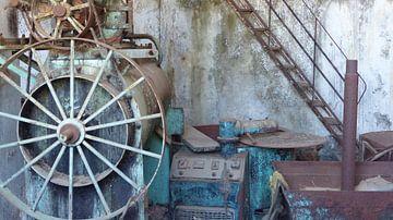 Vervallen fabriek op Kreta van