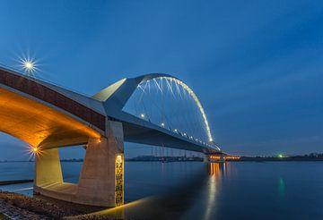 The Crossing - Nijmegen  sur Tux Photography