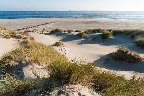 Uitzicht op de Waddenzee vanaf Vlieland van Beschermingswerk voor aan uw muur