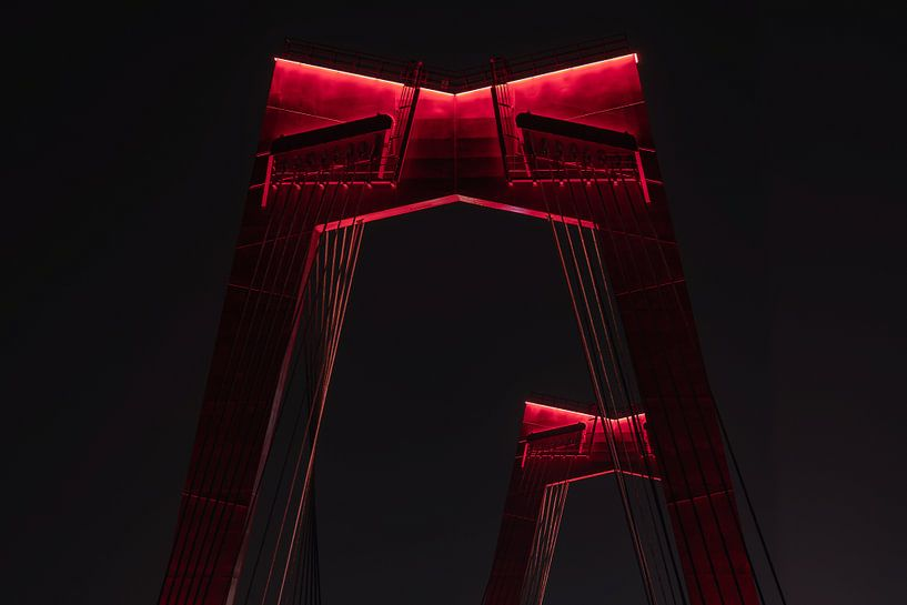 De Willemsbrug in Rotterdam in de nachtelijke uren van MS Fotografie | Marc van der Stelt