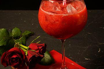 gefrorene Erdbeeren im Crush mit Gin.ed in glasses von Babetts Bildergalerie