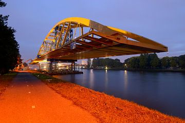 Hogeweidebrug in Utrecht van Donker Utrecht
