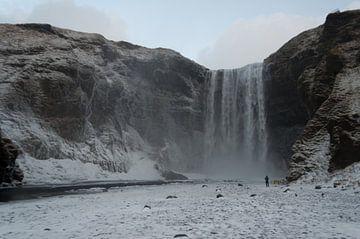 Wasserfall Skógafoss von Anita van Hengel