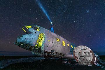 Sterrenhemel boven het vernielde vliegtuig van Denis Feiner