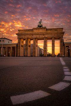 Brandenburger Tor Sonnenaufgang von Iman Azizi