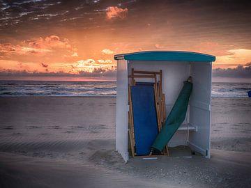 Strandhokje van Dirk van der Plas