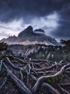 Alpenpanorama in den Dolomiten in Italien im mystischen Licht