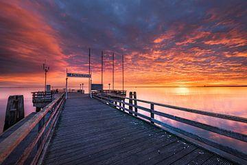 Leuchtender Wolkenhimmel über der Ostsee bei Scharbeutz von Fine Art Fotografie