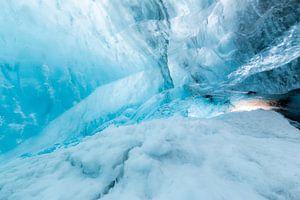 IJsgrot in gletsjer