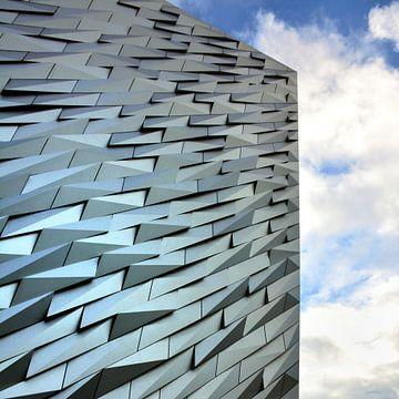Titanic museum in Belfast von Mark van Duijvenvoorde