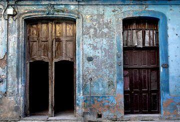 Oude deuren in Havana van