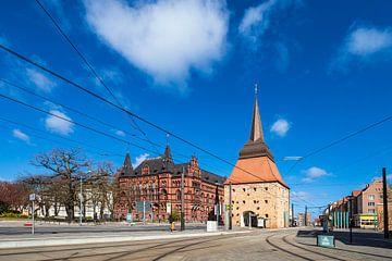 Blick auf Steintor und Ständehaus in der Hansestadt Rostock von Rico Ködder