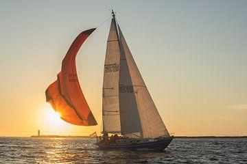 Approche d'un voilier dans le port d'IJmuiden sur Harm-Jan Tamminga