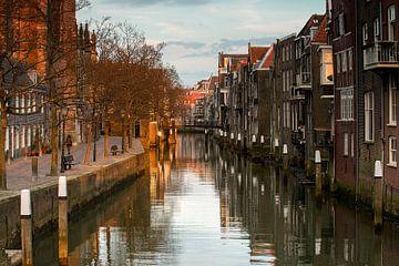 Dordrecht eerste lentezonnetje Pottenkade van Peter Verheijen