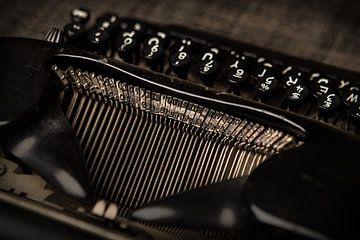 alte schwarze antike Schreibmaschine von Michel Heerkens