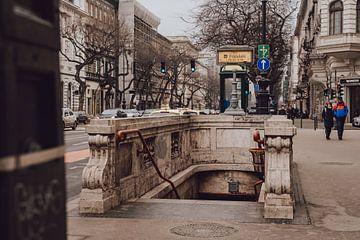 Station de métro à Budapest sur Eva Ruiten