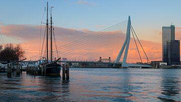 Erasmus-Brücke bei Sonnenuntergang von Erik Groen