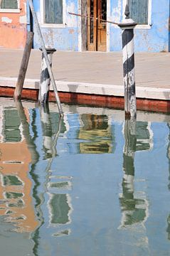 Reflecties op Burano (Venetie , Italië) van Marc Smits
