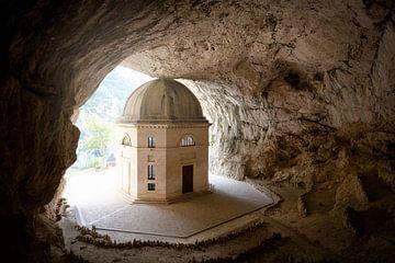 Kapelle in einer Höhle von Kristof Ven